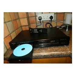 Rotel RCD-970BX Stereo Compact Disc CD Player. JUST BEEN SERVICED.