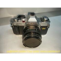 Canon AV-1 con obiettivo 50mm f1,8